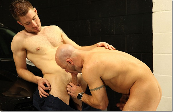 uknakedmen-working-hard-on-a-fat-cock